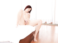 Redhead beauty pleasures passionate solo masturbation