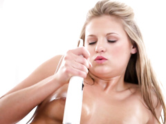 Appetizing hot boobed blonde enjoys awesome masturbation with vibrator