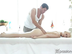 Massage got too exciting and turned into a hardcore fuck