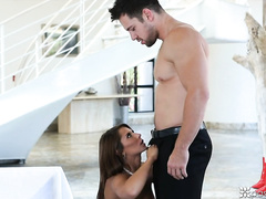 Busty milf Madison Ivy enjoys awesome cunnilingus and great hardcore